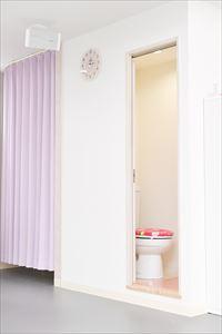 三階トイレ・更衣室